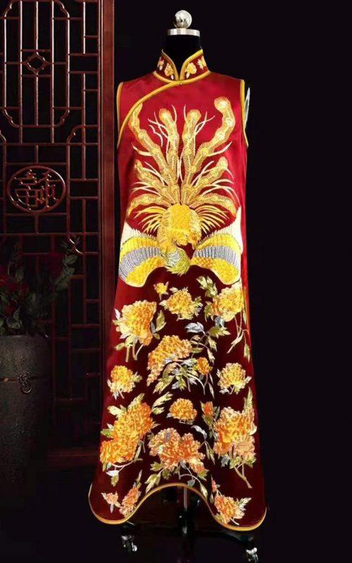 61104 Handmade embroidery Chinese Chi-pao( Cheongsam) red